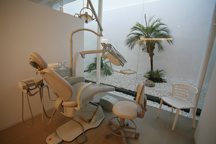 10-andrea-compte-clinica-dental-benicarlo-vinaros-peniscola-centro-odontologico-odontopediatria-cirugia-estetica-ortodoncia