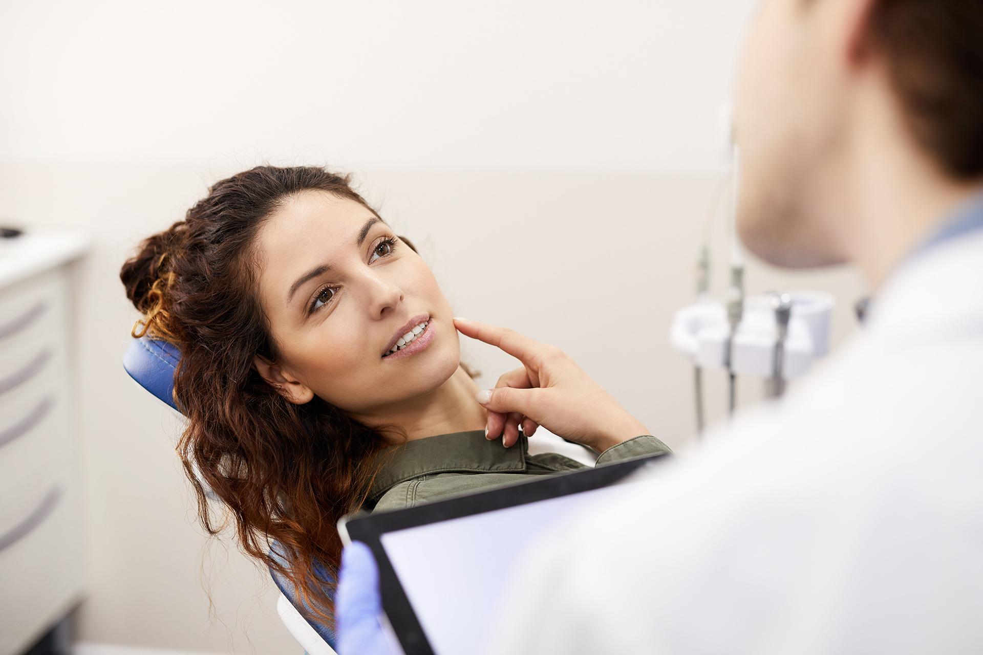 especialidades-clinica-dental-andrea-compte-benicarlo-odontologia-odontopediatria-cirugia